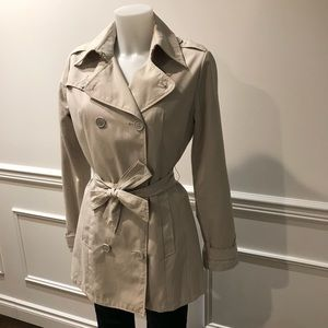 Phard Great fitting trench coat from Italy W/ tie